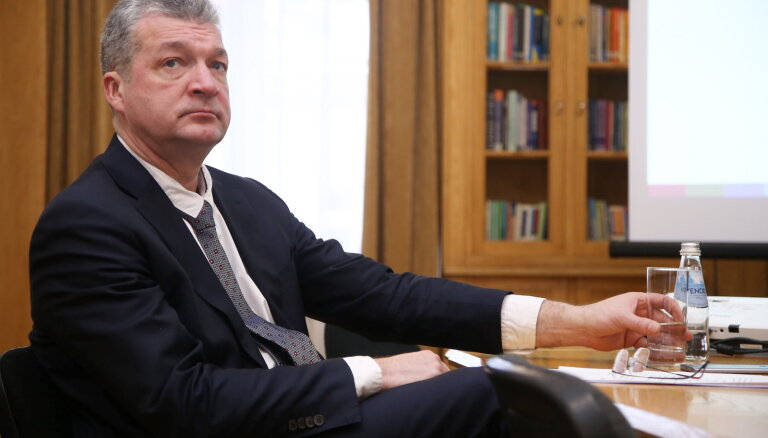Pusotru mēnesi pēc prokuratūras lūguma Saeima izdod Zakatistovu kriminālvajāšanai
