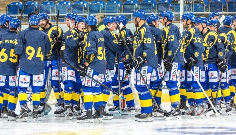 Hokeja klubs 'Davos' pēc 22 sadarbības gadiem atlaiž galveno treneri