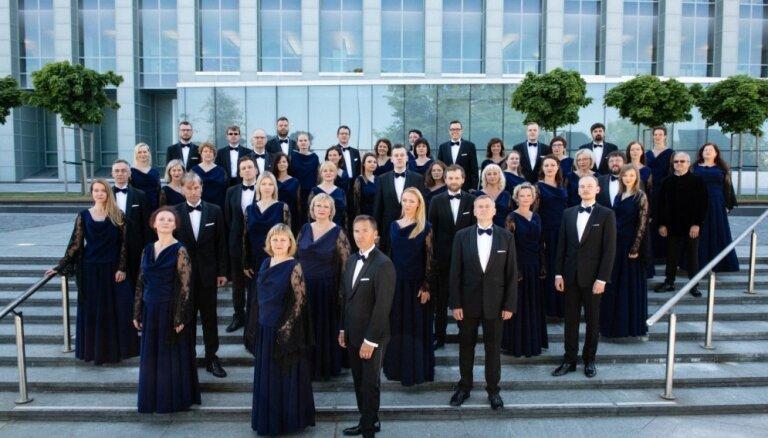 Koris 'Latvija' koncertēs Elbas filharmonijā kopā ar Ivetu Apkalnu