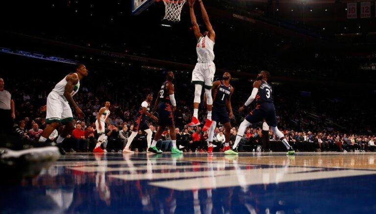 'Knicks' Ziemassvētku spēlē piekāpjas Milvoki 'Bucks'