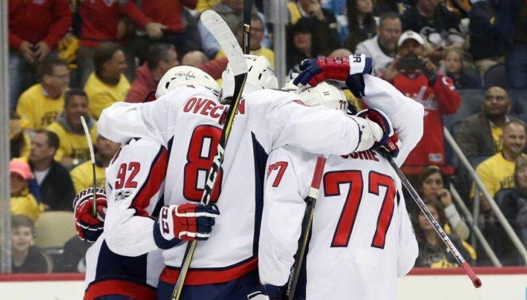 'Capitals' ar pārliecinošu uzvaru panāk septīto spēli duelī pret 'Penguins'