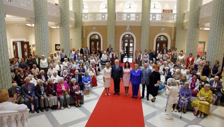 Mūrniece: Latvijas vienaudžu atmiņas ir mūsu kopējā dzīvā vēsture
