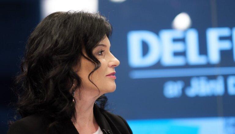 Petravičas preses sekretāre iesaistīta skandālā ar ES fondu izsaimniekošanu, vēsta raidījums