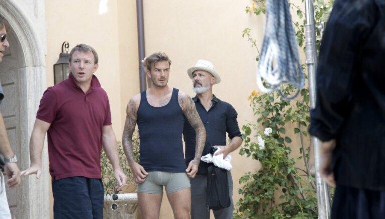 Gajs Ričijs veido jauno H&M kampaņu Deivida Bekhema kolekcijai 'Bodywear'