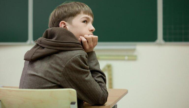 Ekspertu padomi, lai pusaudzis ar UDHS labāk iejustos klasē un uzlabotu sekmes