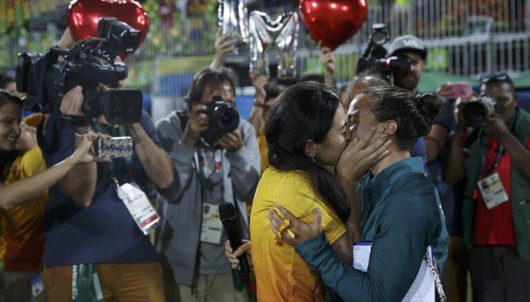 Rio olimpiskais regbija 7 turnīrs sievietēm noslēdzas ar bildinājumu
