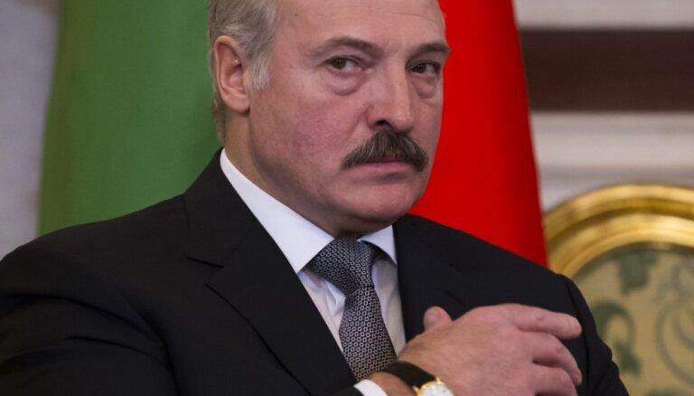 Лукашенко: Россия не разрешает Беларуси поставлять нефть из Казахстана
