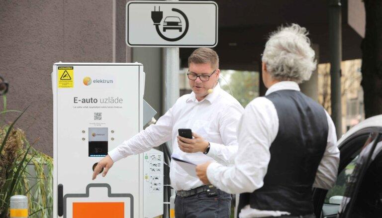 'Latvenergo' uzlādes stacijās mēneša laikā uzlādēta elektrība 15 000 kilometru nobraukumam