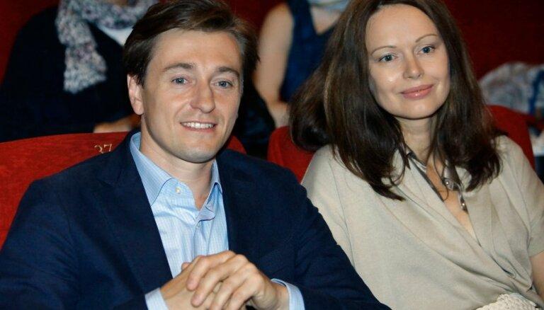 СМИ: Сергей Безруков стал отцом двойняшек