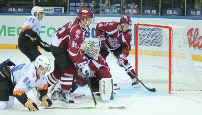 Rīgas 'Dinamo' sezonas otrajā spēlē sāpīgi zaudē 'Severstaļ'