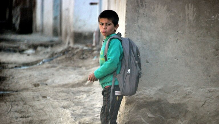 Pērn trīskāršojies uzbrukumu skaits skolām Afganistānā, ziņo ANO