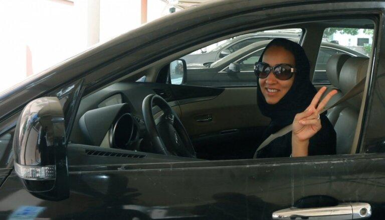 Женщинам в Саудовской Аравии разрешат садиться за руль