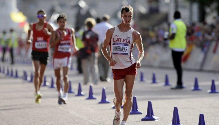 Soļotāji Rumbenieks un Smolonskis izpilda pasaules čempionāta normatīvu 50 kilometru distancē