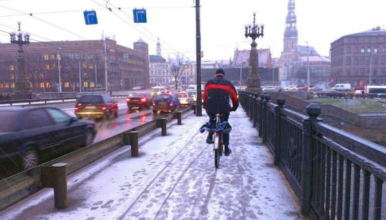 Синоптики предупреждают о сильном дожде и снегопаде