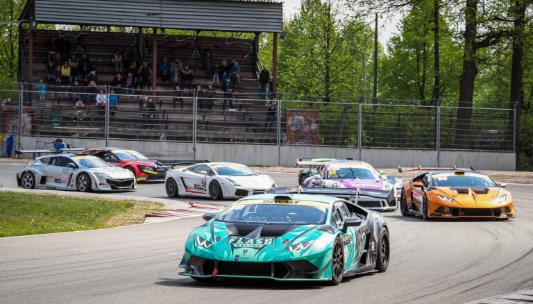 Batraks un Rode izcīna uzvaras Baltijas autošosejas sezonas atklāšanā Biķerniekos