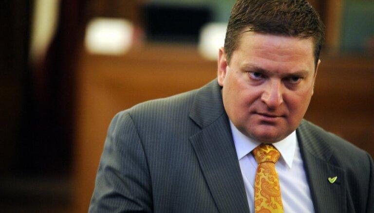 Друг Закиса Козулис подвердил, что обвиняется в покупке голосов