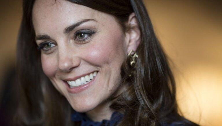 ФОТО: Герцогиня Кэмбриджская очаровала прессу на приеме