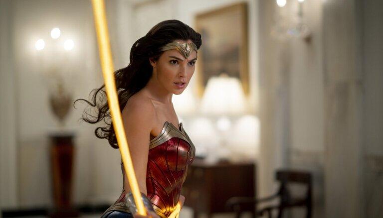 Taps arī trešā filma par unikālo supervaroni – Brīnumsievieti