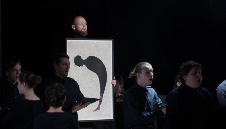 Foto: Koncertizstāde 'Kalpotājs. Blumbergs. Kamēr…' Rīgas mākslas telpā