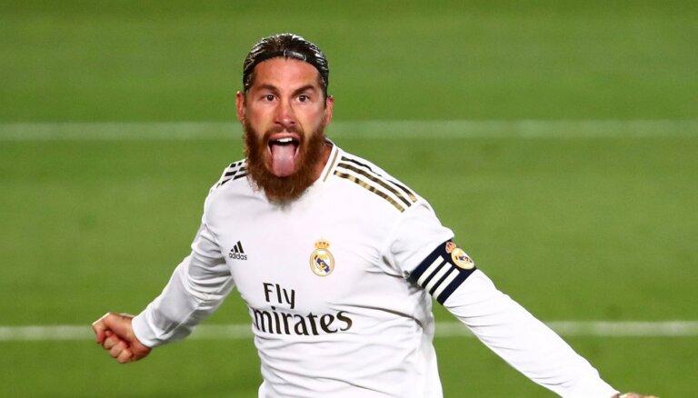 Ramosa 'pendele' dod 'Real' četru punktu pārsvaru pār 'Barcelona'
