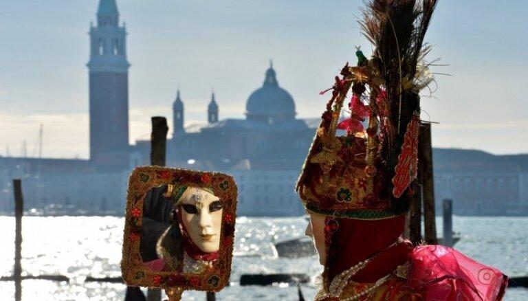8 slavenākie tūrisma objekti, ko paši tūristi iznīcina