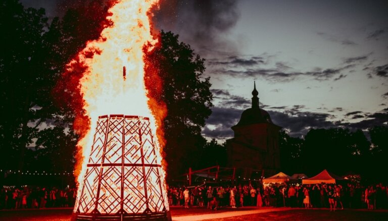 Notiks ikvasaras etnofestivāls 'Sviests' Valmiermuižā