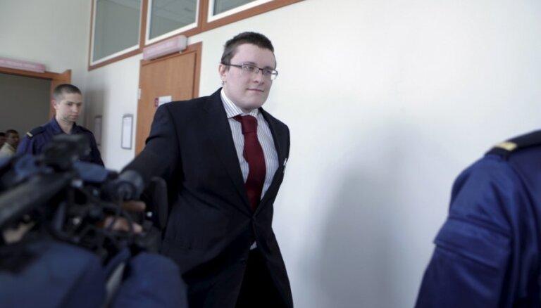 'Kino šāvējs' Zikovs nenožēlo izdarīto; AT atstāj spēkā 17 gadu cietumsodu