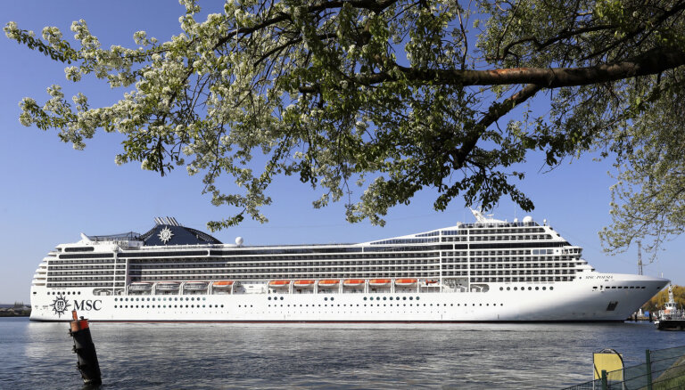 В Рижском порту открыт круизный сезон: прибыл пассажирский лайнер MSC Poesia