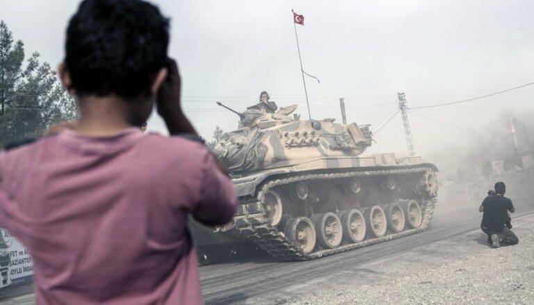 Турция объявила о зачистке границы с Сирией от террористов ИГ