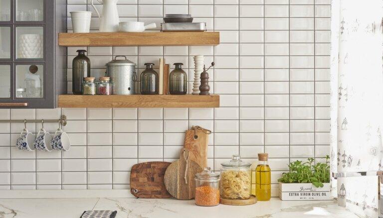 Neslēpt skapī, bet izcelt. 12 lietas, kuras jāatstāj uz virtuves virsmām