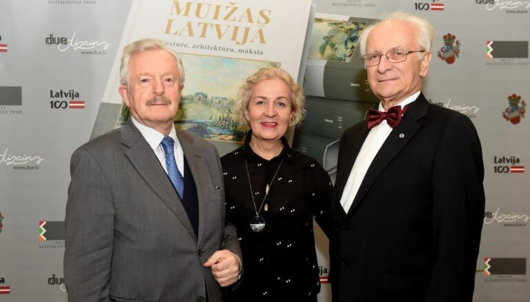 Foto: Iznācis unikālās enciklopēdijas 'Muižas Latvijā' pirmais sējums
