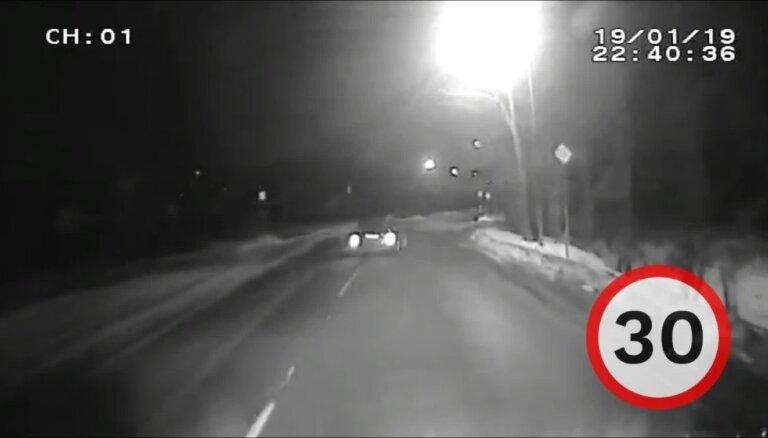 Рига: полиция устроила погоню за пьяным водителем, превысившим скорость