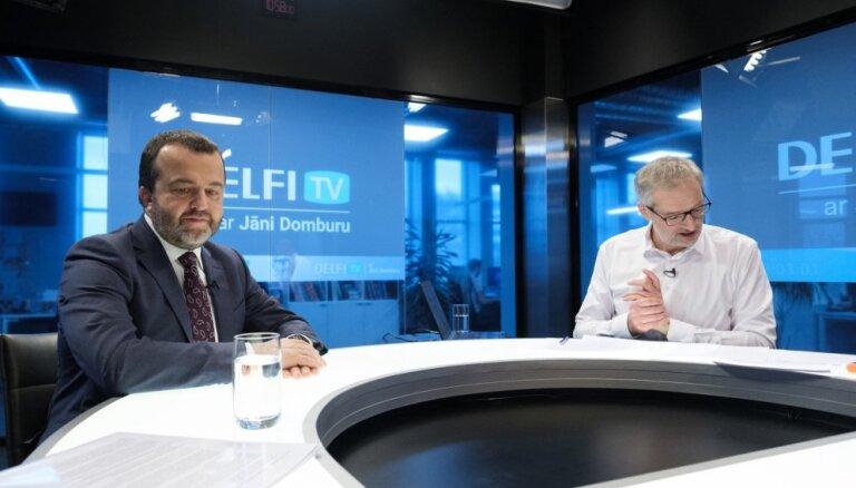 'Delfi TV ar Jāni Domburu' atbild Ernests Bernis. Pilns ieraksts