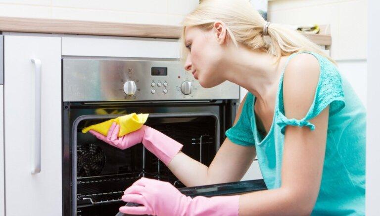 5 распространенных ошибок, затрудняющих чистку духовки