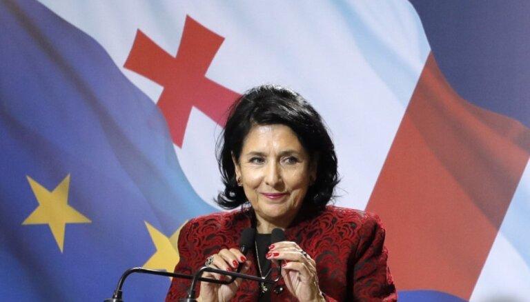 Gruzijas prezidenta vēlēšanās uzvarējusi valdošās partijas atbalstītā Salome Zurabišvili