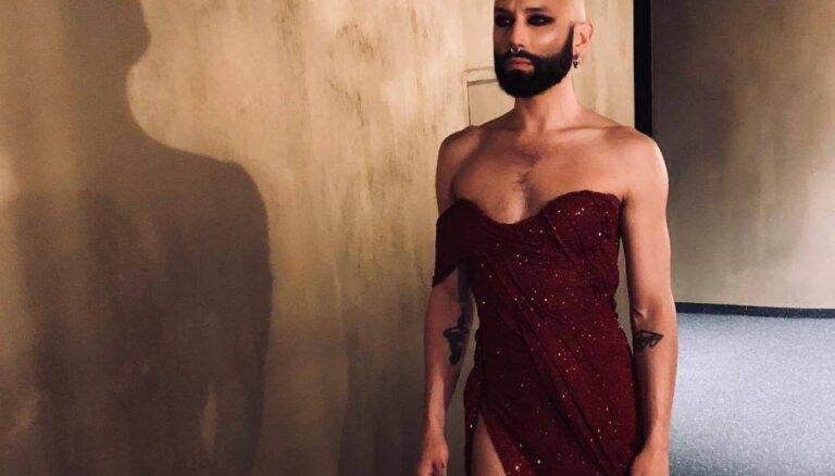 ФОТО. Лысая, но с бородой и в платье: Кончита Вурст снова шокирует