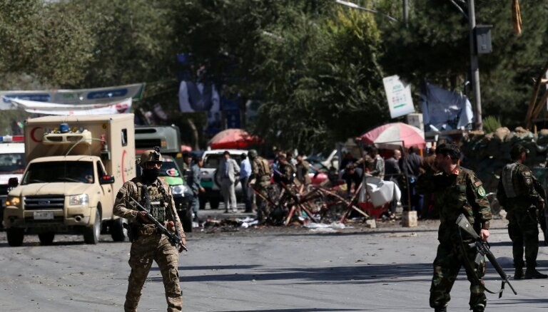 Afganistānas prezidenta kampaņas pasākuma laikā nogrand sprādziens; vismaz 24 bojāgājušie