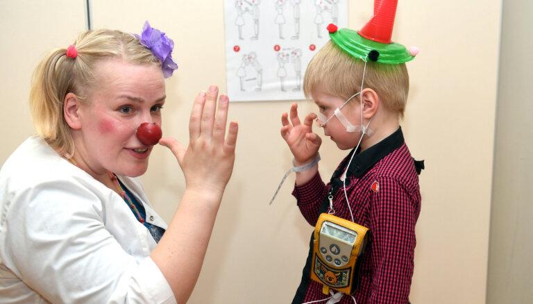 Доктора-клоуны приглашают в школу медицинской клоунады