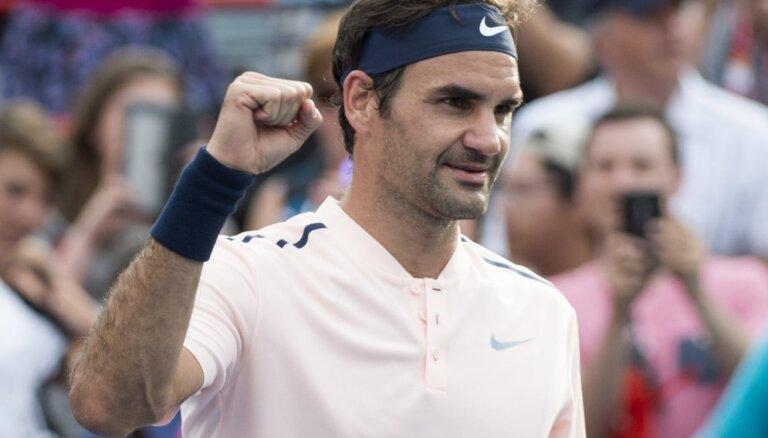 Federers atkal 'ATP Finals' apakšgrupu kārtu noslēdz bez zaudējumiem