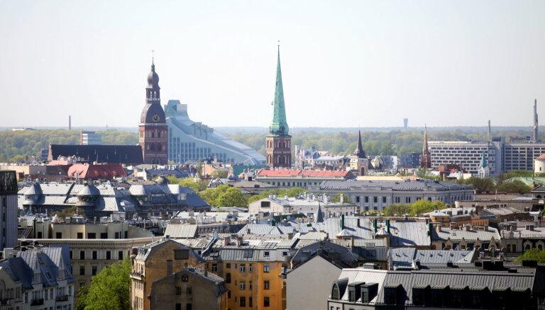 Средняя нетто-зарплата в Латвии выросла на 7,5% до 799 евро