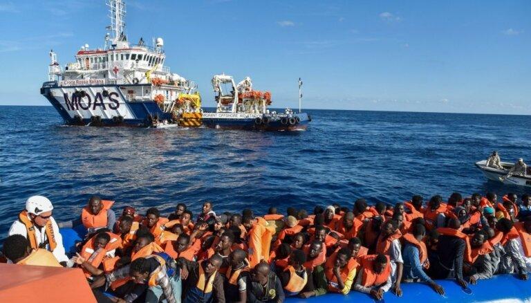 Судно Ocean Viking с беженцами на борту объявило ЧП: за сутки 6 попыток суицида