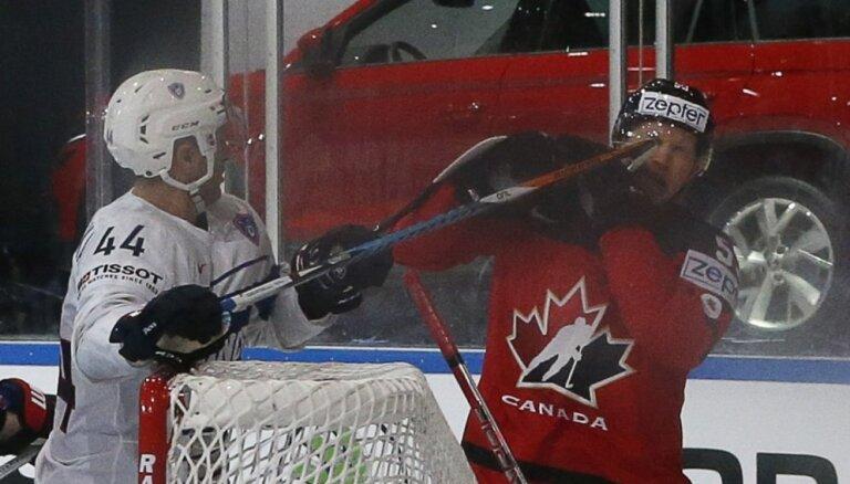 ВИДЕО, ФОТО: Курьезный гол Власича принес минимальную победу Канаде над Францией