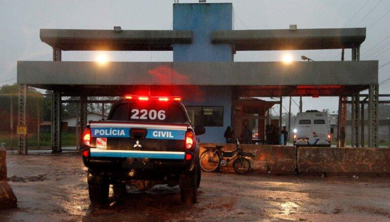 Brazīlijas policija aizsprosta avārijas lietā aizturējusi astoņus cilvēkus