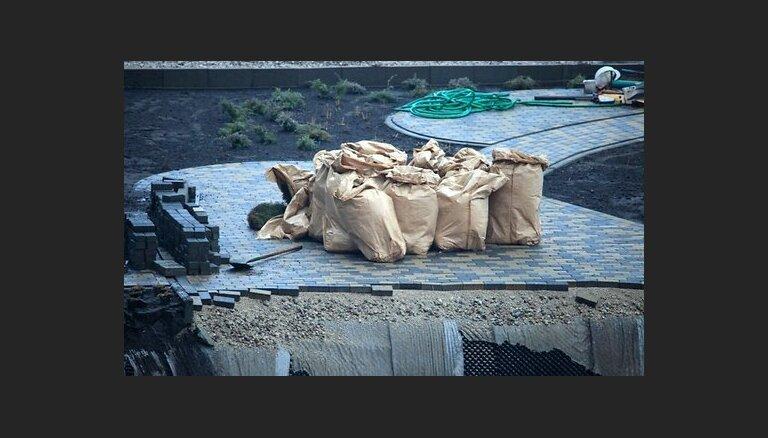 Трагедия в Золитуде: за день до обрушения на крышу подняли 50 мешков с грузом