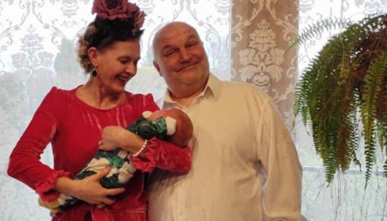 Kaspars Upaciers kļuvis par vectētiņu