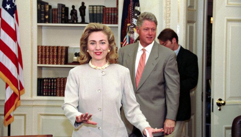 Обаме и Клинтонам прислали подозрительные посылки, возможно, с бомбами