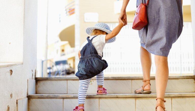 Как себя вести, если вашему ребенку делает замечание посторонний человек?