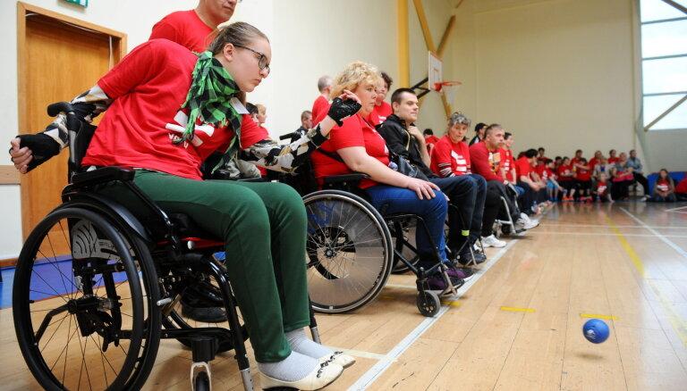 'Draudzīgi un aizrautīgi sadzīvojām' – aculiecinieks par Paralimpisko sporta dienu Rīgā