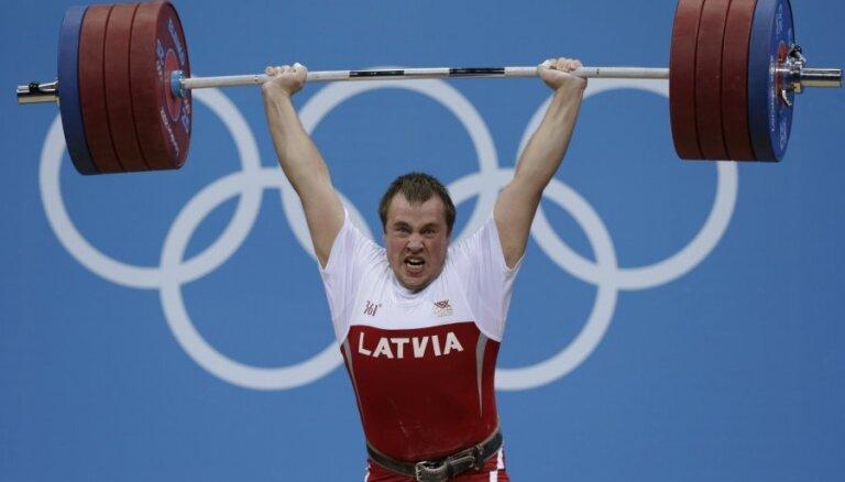 Plēsnieks pēc konkurenta diskvalifikācijas Londonas olimpiādē iekļūs labāko sešiniekā