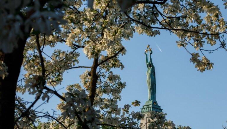 Ar īpašu likumu sargās Brīvības pieminekli un Brāļu kapus
